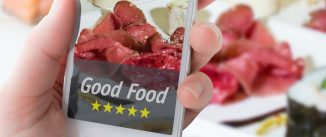 rating food on a smartphone