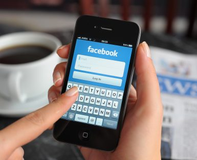 Facebook app on Apple iPhone 4